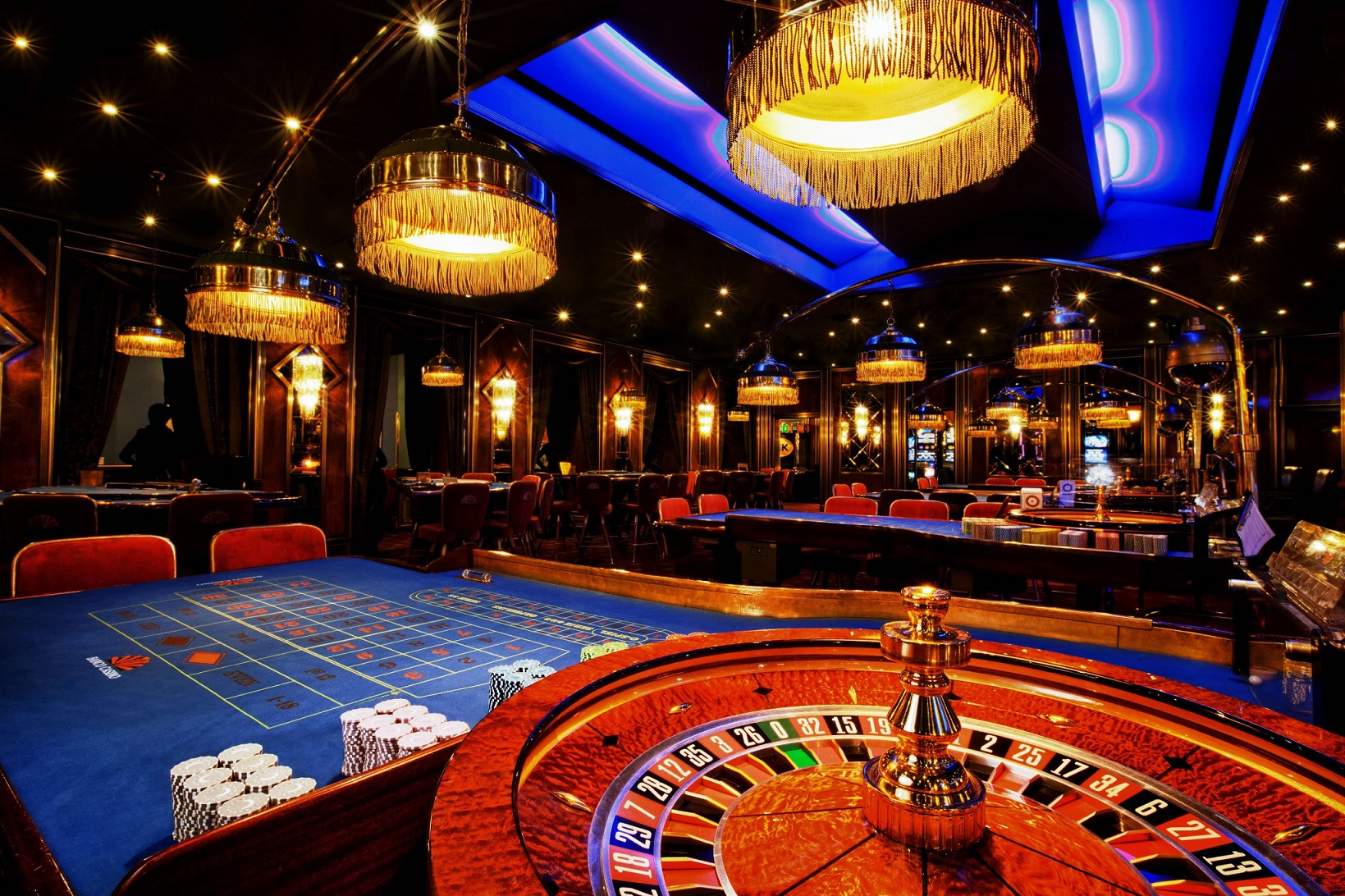Casino Nine Methods The Competitors Knows However, You Don't